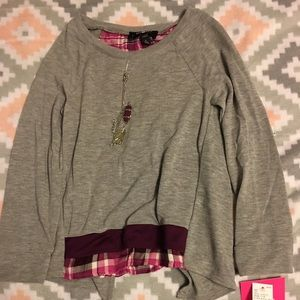amy byer girl sweater size small
